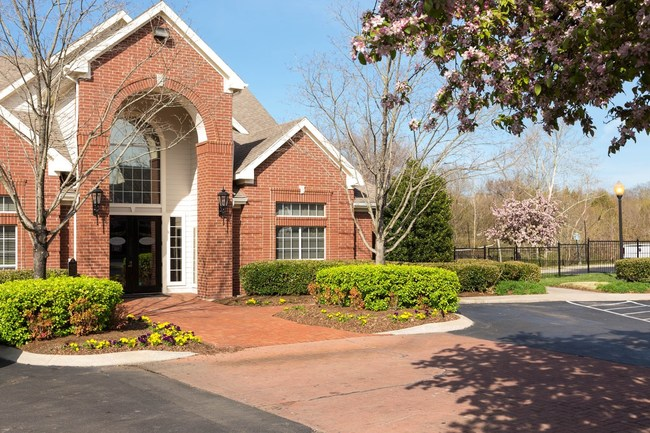 Cambridge at Hickory Hollow is a garden-style apartment community constructed in 1997 and is located 15 miles southeast of downtown Nashville in Antioch.