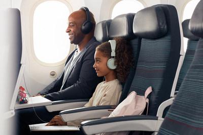 Air Canada est nommée meilleur transporteur familial en Amérique du Nord et reçoit le prix Wherever du meilleur programme de fidélisation pour les familles (Groupe CNW/Air Canada)