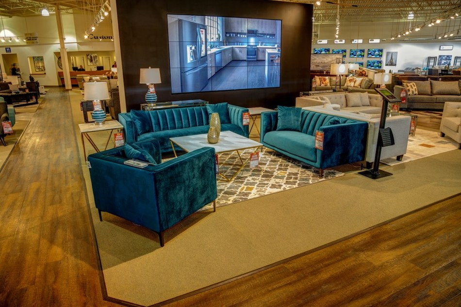 Coldbrook Store Fall 2019 Imagery (CNW Group/Leon's Furniture Limited)