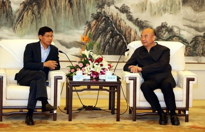 Fred Hu, Chairman of Yum China, met with Liu Guozhong, Governor of Shaanxi province
