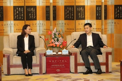 Joey Wat, CEO of Yum China, met with Xu Datong, Deputy Governor of Shaanxi province