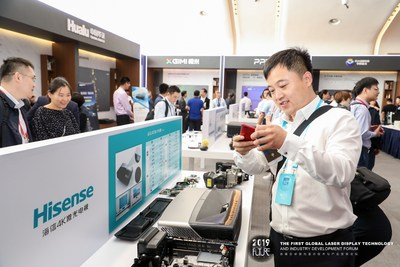 Exhibitors visiting Hisense Exhibits