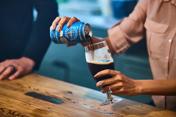 It's a full-bodied stout that has a creamy mouthfeel, full of flavor with hints of roasted malt, milk chocolate and rich coffee.