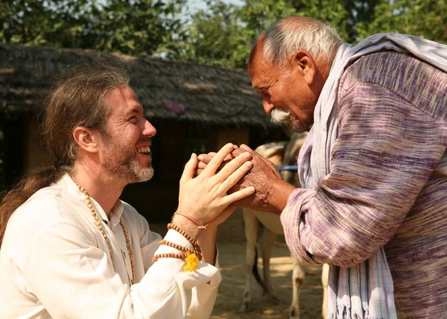 Organic India founder Bharat Mitra with Kailash Singh, first farmer partner.