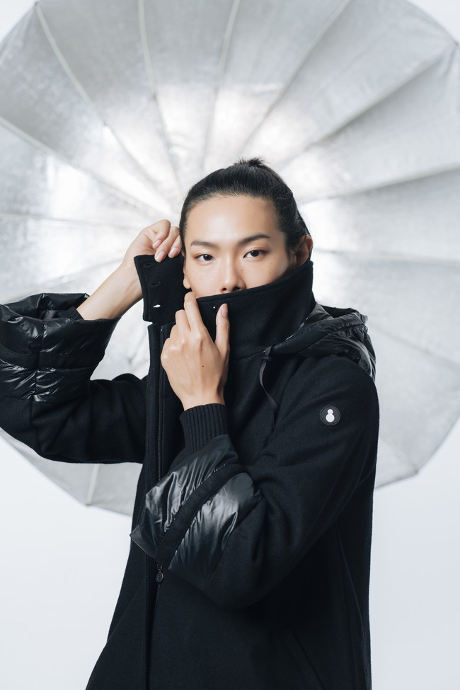 SNOWMAN NEW YORK brings the highest quality down jacket in high fashion, never sacrificing an ounce of style. Based in the heart of New York city, the brand is a product of necessity for all women who set out to conquer the urban jungle.