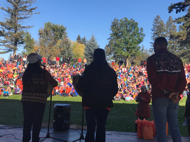 In Williams Lake, B.C., hundreds assemble to commemorate Orange Shirt Day and honour the survivors of the residential school system. Photo: Tim Joyce/ Canadian Geographic (CNW Group/Royal Canadian Geographical Society)