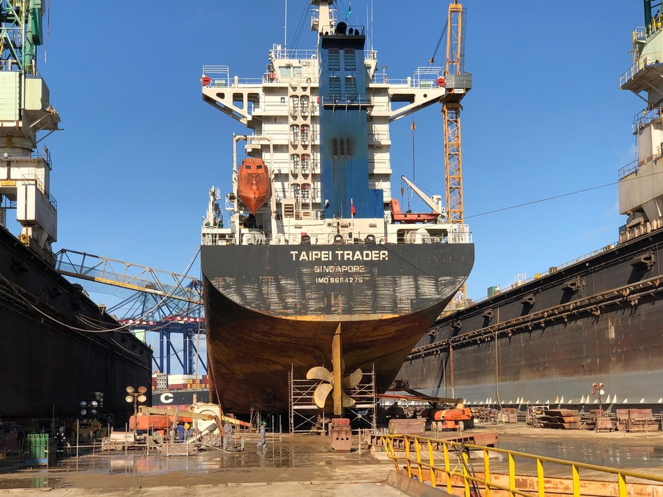 Taipei Trader, a containership operated by Lomar Shipping, docks at the No. 3 dock at Grand Bahama Shipyard – the first ship to dry-dock at the shipyard since reopening after Hurricane Dorian.