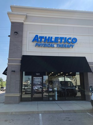 Our clinic is conveniently located at Hwy 63 and Broadway, near Panera Bread.