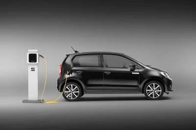 There are now about 100,000 charging stations in the EU and by 2025 the European Commission expects this figure to increase 20 times, up to 2 million stations.