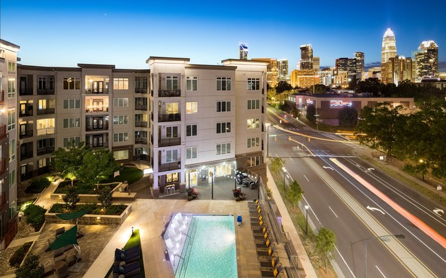 JLL Income Property Trust Acquires Presley Uptown, a 230-unit Apartment Community in Charlotte, North Carolina