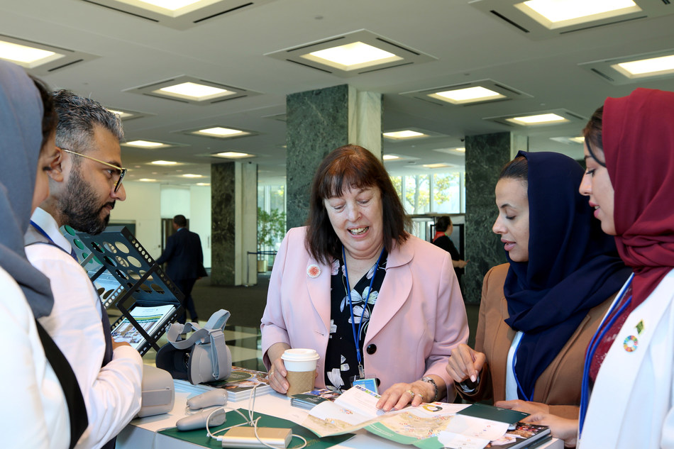 Ms. Virginia Gamba (center), UN Special Representative for Children and Armed Conflict, is briefed in New York by representatives of the Saudi Development and Reconstruction Program for Yemen.