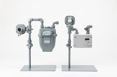 Existing gas meter and advanced gas meter (CNW Group/FortisBC)