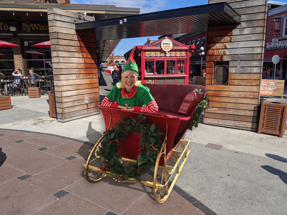 Santa's Sleigh comes to Byward Market for only 3 days from October 25th to 27th as we start the holiday season with a special sneak peek at Santa's magical sleigh that circles the globe on Christmas Eve. Children of all ages are invited to sit in the jolly old elf's shiny red ride. Bring your camera and your letters for Santa too. This Christmas experience is free for everyone. Voluntary donations are welcome on behalf of the Children's Hospital of Eastern Ontario for the CHEO Foundation (CNW Group/Ottawa Craft Shows)