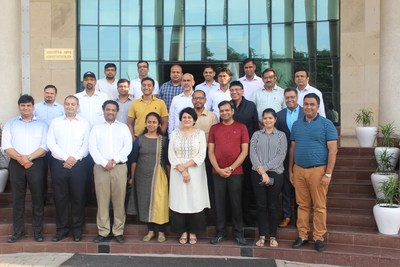 Mr. Vikas Gupta, MD, Wiley India with IIML faculty and the inaugural batch of WileyNXT Executive Education Program