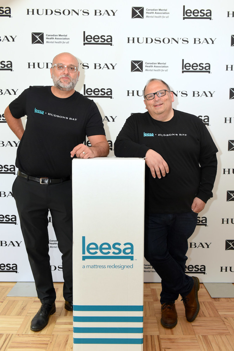 Danny Abramowitz, VP, Home, Hudson's Bay and David Wolfe, Co-founder of Leesa Sleep announce a commitment to donate 500 mattresses over the next year to families and individuals served by the Canadian Mental Health Association across the country. (CNW Group/Leesa Sleep, LLC)