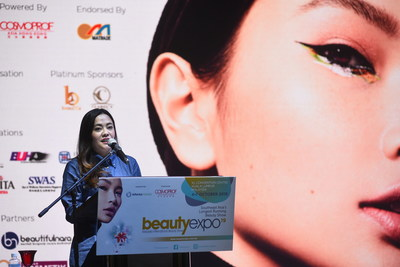 Puan Afriza Hani, Senior Director, Business Licensing Electronic Support System Representing YB Datuk Wira Dr. Mohd Hatta B.md Ramil Deputy Minister of Entrepreneur Development Malaysia delivered his speech at beautyexpo 2019