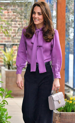 Duchess of Cambridge carrying Aspinal of London Midi Mayfair Bag