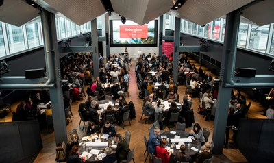 Plus de 200 représentants d'entreprises étaient réunis. (Groupe CNW/Réseau express métropolitain - REM)