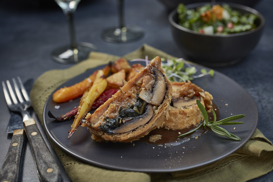 Mushroom and Chickenless Chicken Wellington featuring PC Plant-Based Chickenless Breasts (CNW Group/President's Choice)