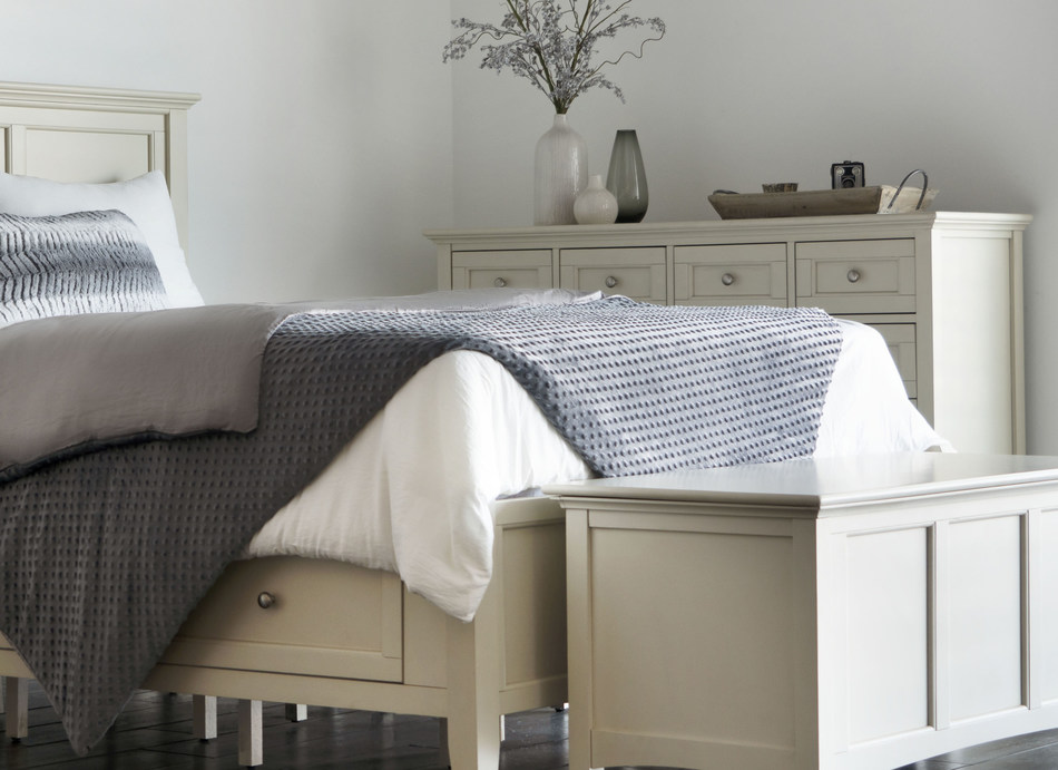 The Dual Therapy Weighted Blanket by Brooklyn Bedding is designed to provide deep touch pressure support and a calmer, more soothing night's sleep. The blanket's unique dual therapy features come from a flippable and removable duvet cover: one side blankets sleepers in ultra cozy warmth and security; the other side provides the tranquility of weight, coupled with an advanced cooling fabric.