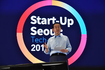 "Mayor of Seoul Metropolitan City, Park, Wonsoon is delivering a speech at ""Start-Up Seoul: Tech-Rise 2019"""
