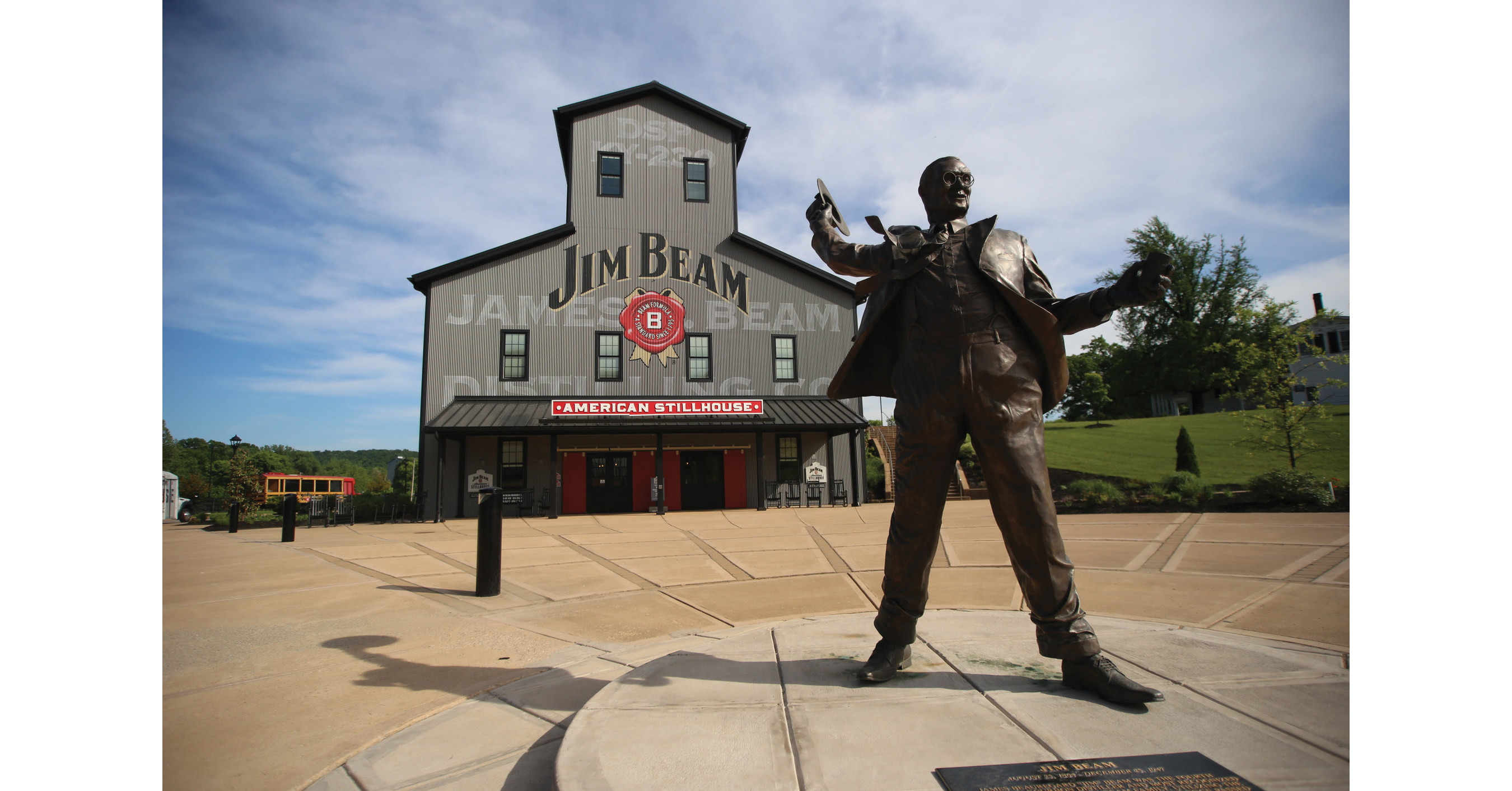 Want To Live Like A Master Distiller Jim Beam Is Opening Its Home For Rent A First Ever Property Listing For The Iconic Bourbon Brand