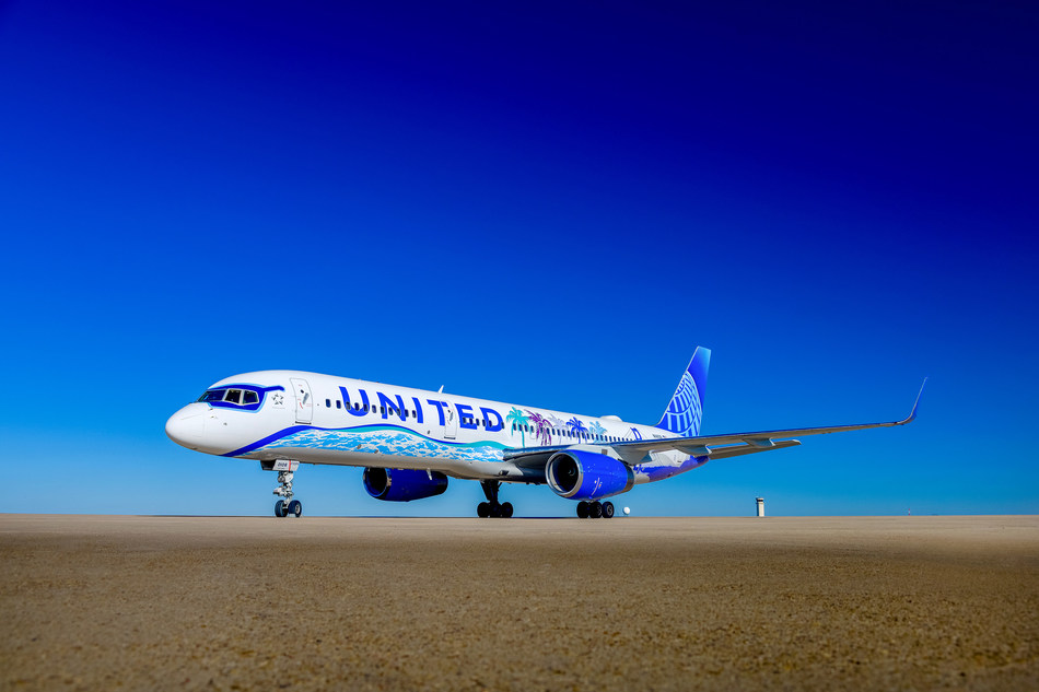 United Airlines Her Art Here California Livery