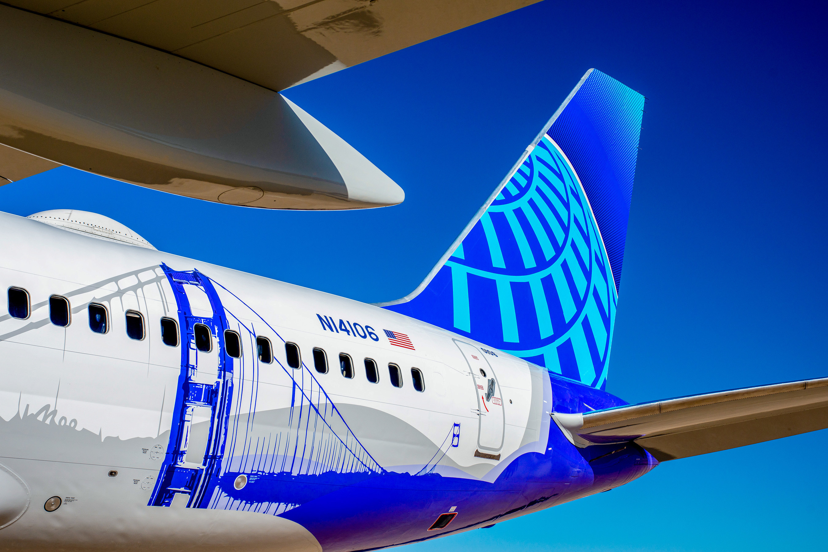 California Themed United Airlines Plane Soars Into The Friendly Skies