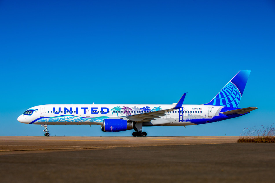 United Airlines Her Art Here California Livery - Side View