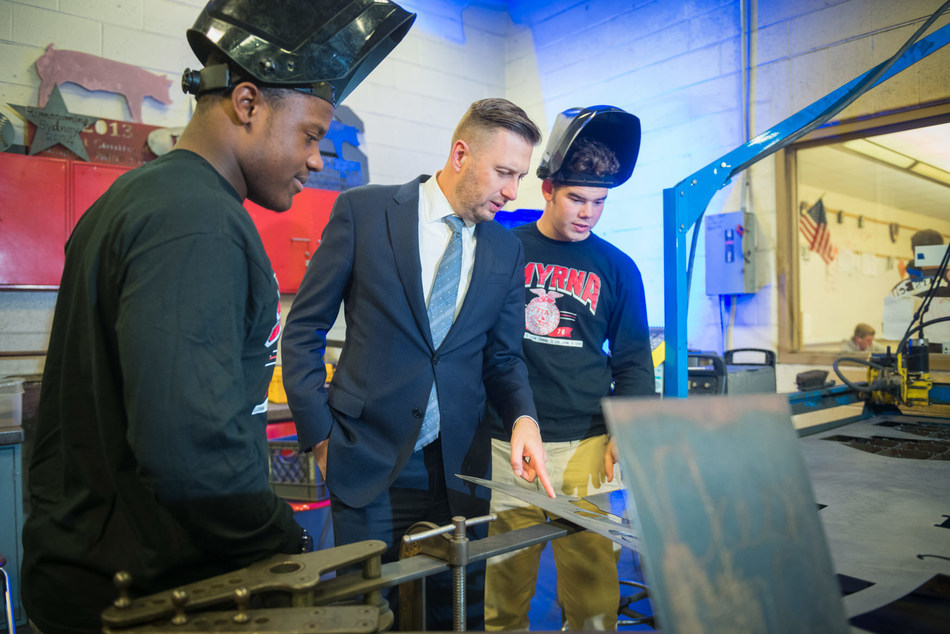 High school students in Delaware are getting a jump start on careers in growing fields including advanced manufacturing, health care and biomedical science through the Delaware Pathways program, which provides training and on-the-job experience. (Photo Credit: Moonloop photography)