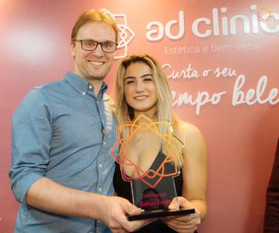 Gustavo Tibola e Luana Romano abriram uma unidade AD Clinic em Campo Largo