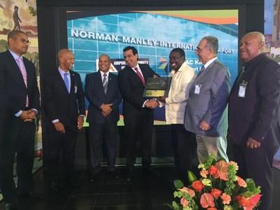 Raúl Revuelta, CEO de GAP, en la ceremonia de inicio de operaciones del Aeropuerto de Kingston