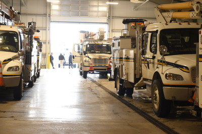 Hydro Ottawa crews head to Maine to help restore power after severe storm damage (CNW Group/Hydro Ottawa Holding Inc.)