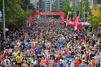 Weather conditions were excellent for the 30th edition of the Scotiabank Toronto Waterfront Marathon, with over 26,000 participants. (Todd Fraser, Canada Running Series) (CNW Group/Scotiabank)