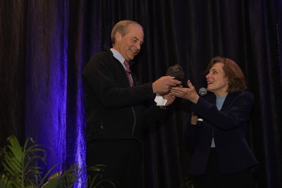 Dr. Sylvia Earle presents the inaugural Dr. Sylvia Earle Award to Fisk Johnson, Chairman and CEO of SC Johnson during the Ocean Planet Conference in Los Angeles on Saturday, October 19.
