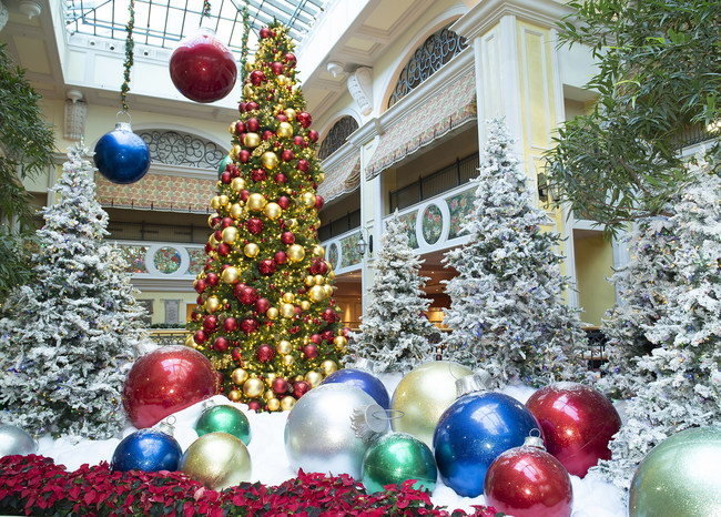 Is Christmas Eve A Holiday.Holidays At Beau Rivage Embrace The Magic Of The Season