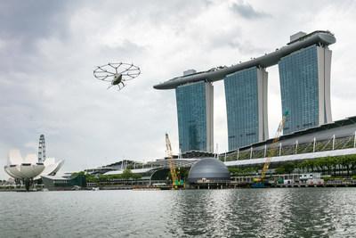 Volvoopter空中出租车飞越新加坡滨海湾