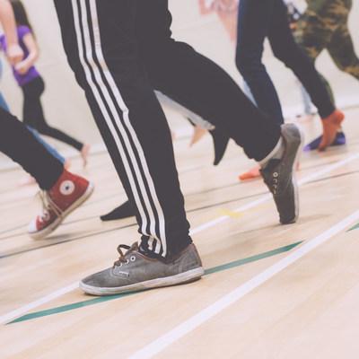 Le programme Fillactive encourage les jeunes filles du secondaire à bouger! (Groupe CNW/Énergir)
