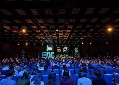 Yvonne Liao, the Partner and CSO of Squirrel AI Learning by Yixue Group Attended the EdCrunch Conference in Russia, Telling the story of China in the Era of AI Education
