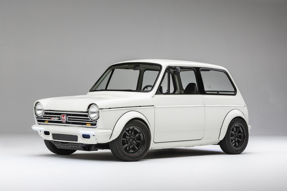 The winner of the first-ever Honda Super Tuner Legends Series was this custom-tuned, 1972 Honda N600, owned by Stephen Mines, powered by Honda VFR 800cc V4 motorcycle engine. (PRNewsfoto/Honda)