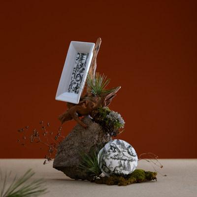Les fleurs de cannabis se mettent à la mode dans le cadre de la collaboration des fêtes entre Holt Renfrew et Tokyo Smoke (Groupe CNW/Canopy Growth Corporation)