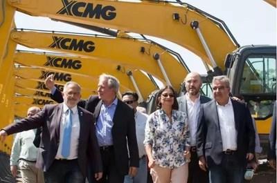 XCMG entrega el pedido individual más grande para la Argentina por un récord de US$ 6,5 millones. (PRNewsfoto/XCMG)