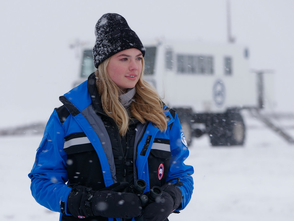 Polar Bears International ambassador Kate Upton joined a celebration for the grand opening of the Polar Bears International House, which included an excursion on a Tundra Buggy to view polar bears in the wild and learn more about Polar Bears International's conservation efforts. Image credit: Daniel J. Cox / Natural Exposures. (CNW Group/Polar Bears International)