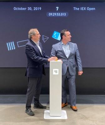 为庆祝Wall Street Horizon数据在IEX Cloud上发布,Wall Street Horizon首席执行官Barry Star和副总裁David Francoeur于10月30日在Investors Exchange开市
