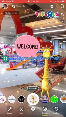 "Geoffrey the Giraffe welcoming Snapchatters into the Toy""R""Us augmented reality store on Snapchat (CNW Group/Toys ""R"" Us (Canada) Ltd.)"
