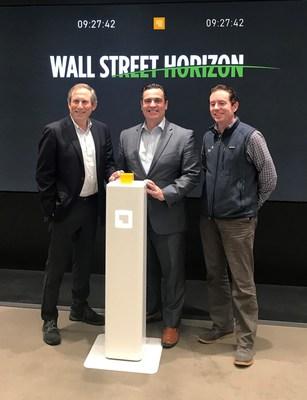 Barry Star, CEO da Wall Street Horizon e David Francoeur, vice-presidente unem-se a Ronan Ryan, presidente da IEX.
