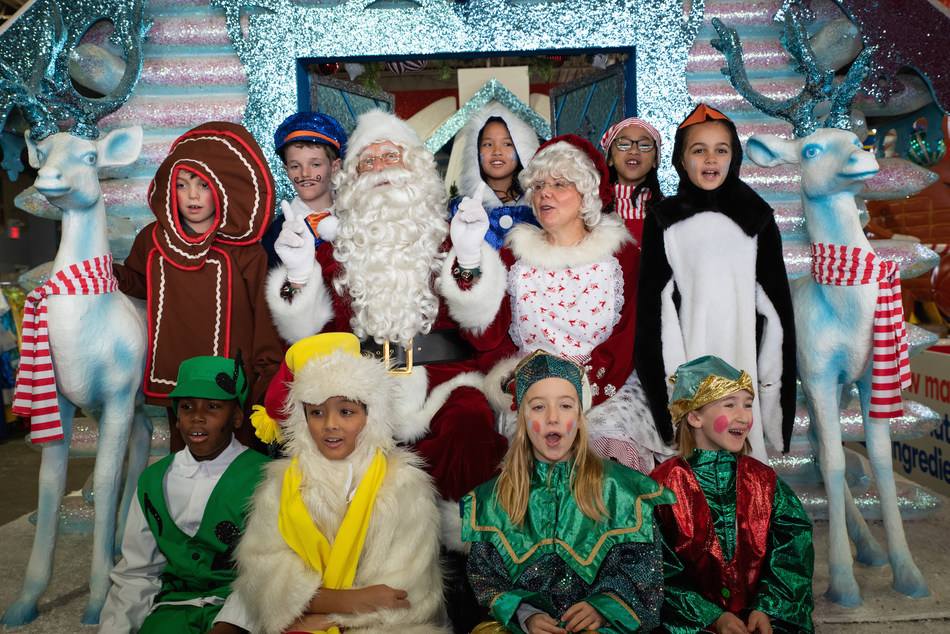 Today, in Santa's Secret Warehouse, Santa and his helpers unveiled the magical floats which will be showcased at the 115th Santa Claus Parade which takes place in Toronto on Sunday November 17th starting at 12:30 pm. (CNW Group/The Santa Claus Parade)