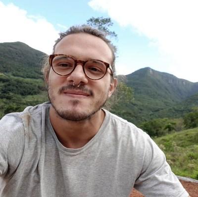 Almir Junior é referência em nomadismo digital
