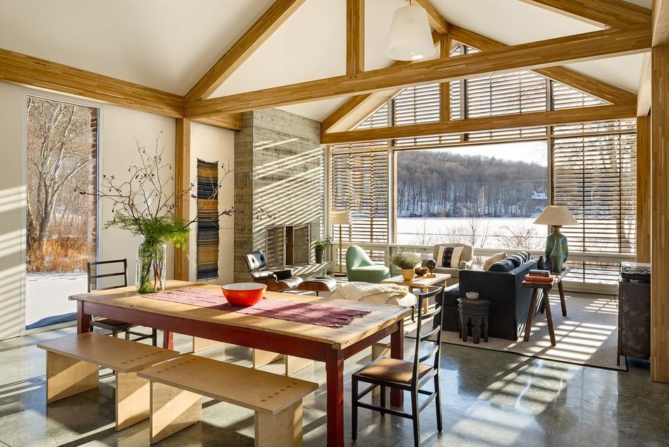 The Clinton Corners Porch House by Lake|Flato Architects was built using panelized construction. Bensonwood constructed the prefab timber frame and the thermally complete  building shell off-site in the Tektoniks facilities. Photo: Chris Cooper