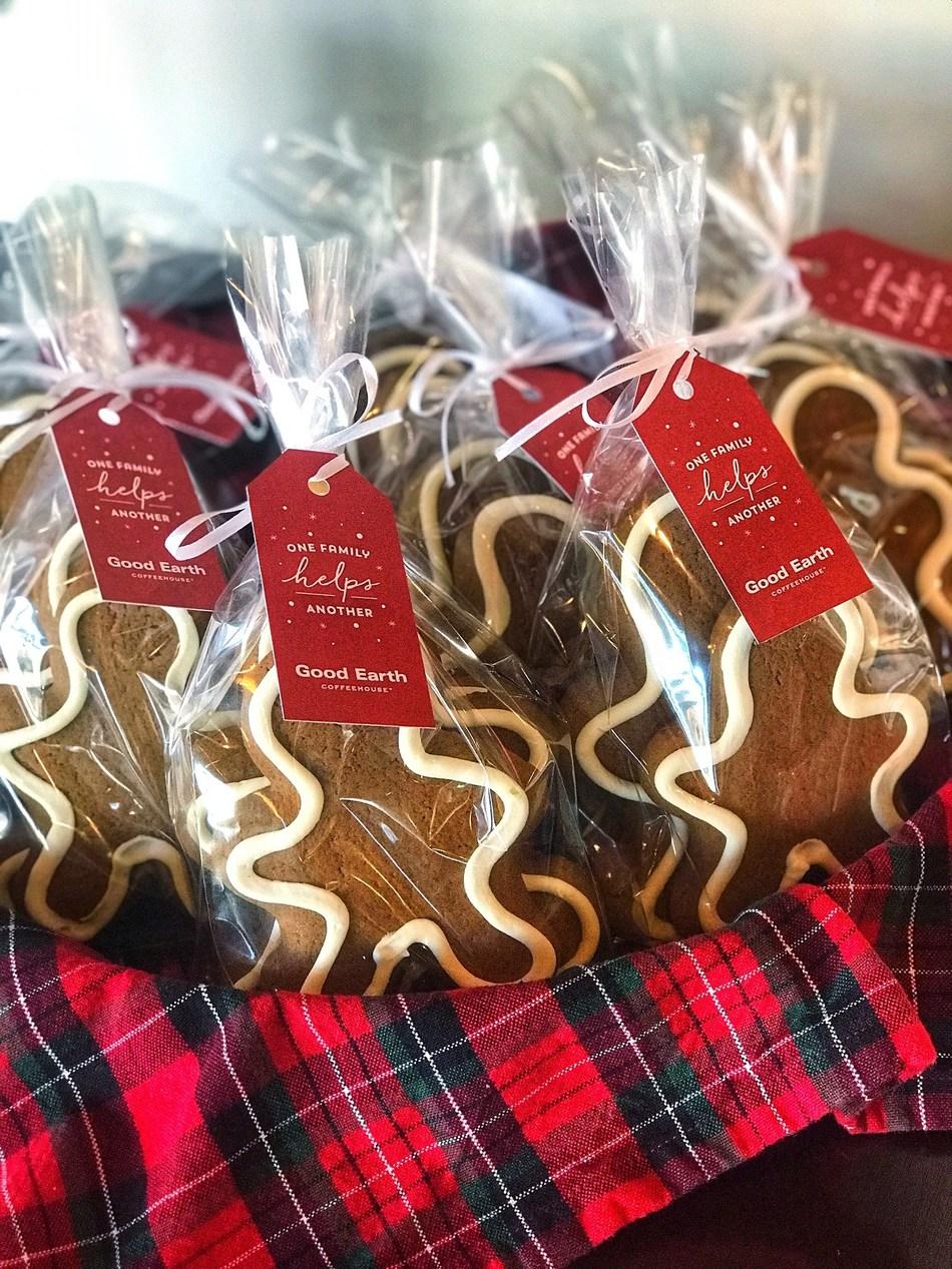 Good Earth Gingerbread Families (CNW Group/Good Earth Coffeehouse)